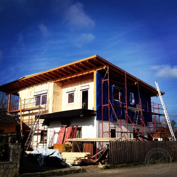 Der holzziegel for Bausatzhaus holz