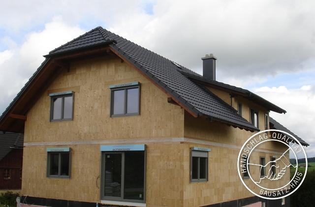 referenz Holzziegel bauernhaus mehrfamilienhaus 2